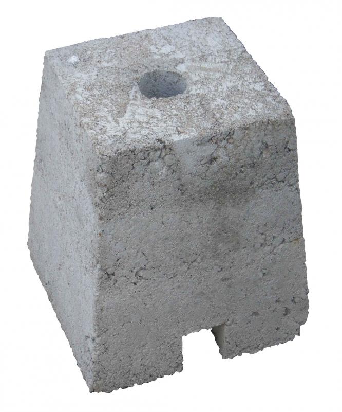 Betonová patka k ochrannému tyčovému znaku